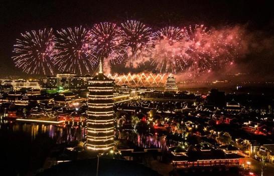 五一打卡铜官窑古镇夜市 穿越千年感受大唐夜色繁华